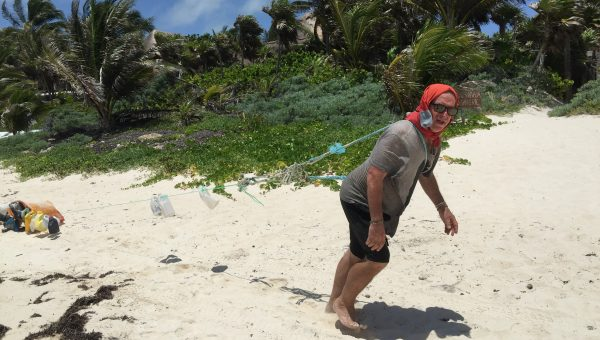 Trash walking in Tulum