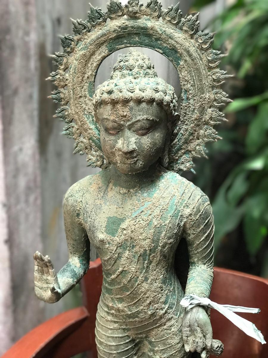 Master bronze caster in Java