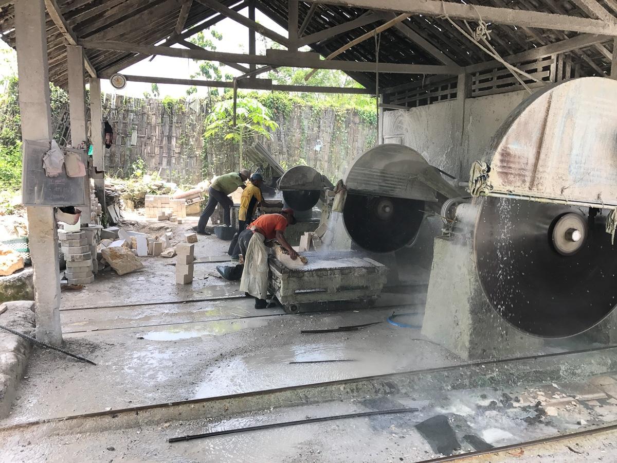 Stone cutting machinery in Java