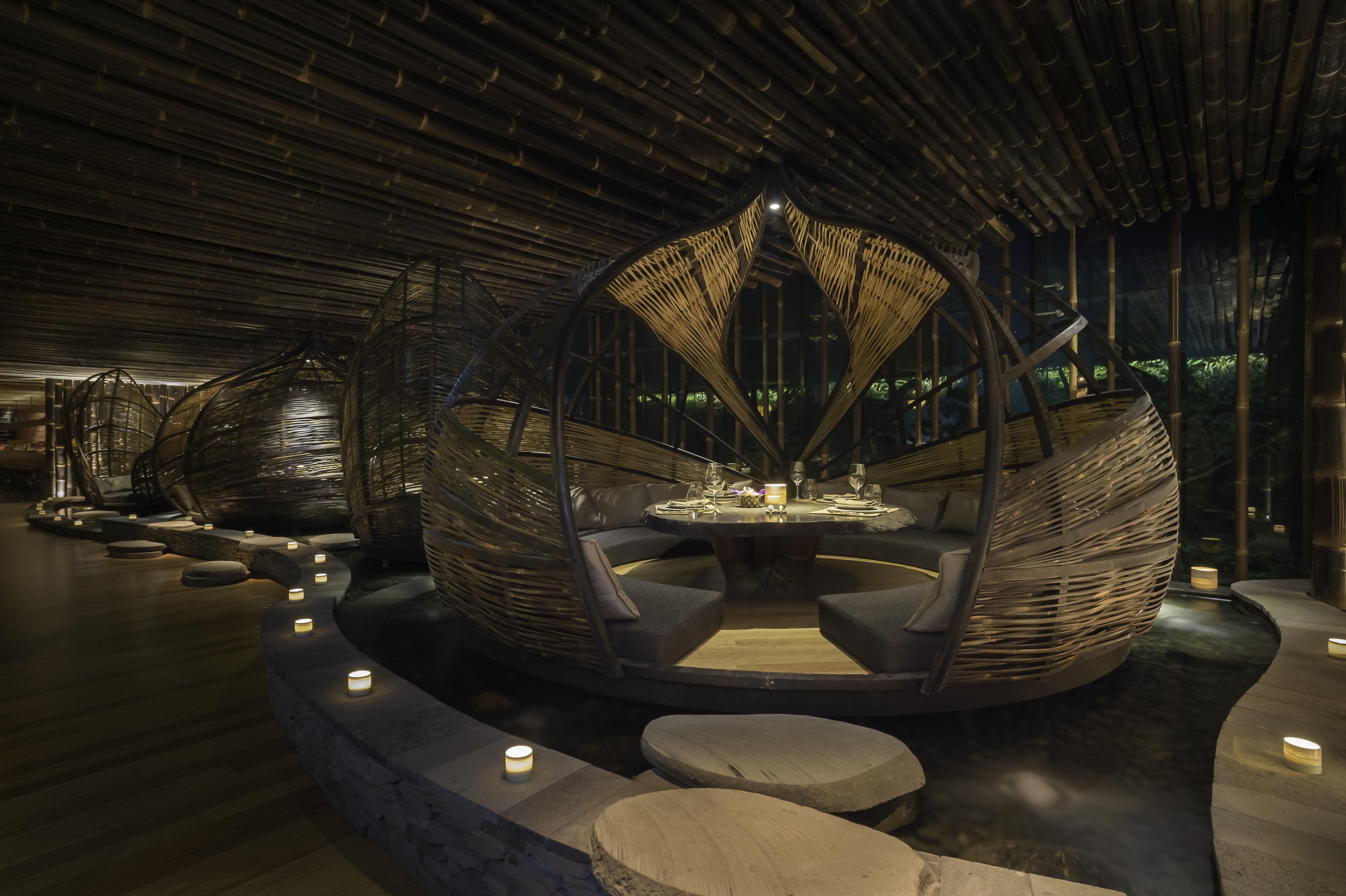Bamboo Pod at TRi Restaurant Hongkong. Designed by Ibuku