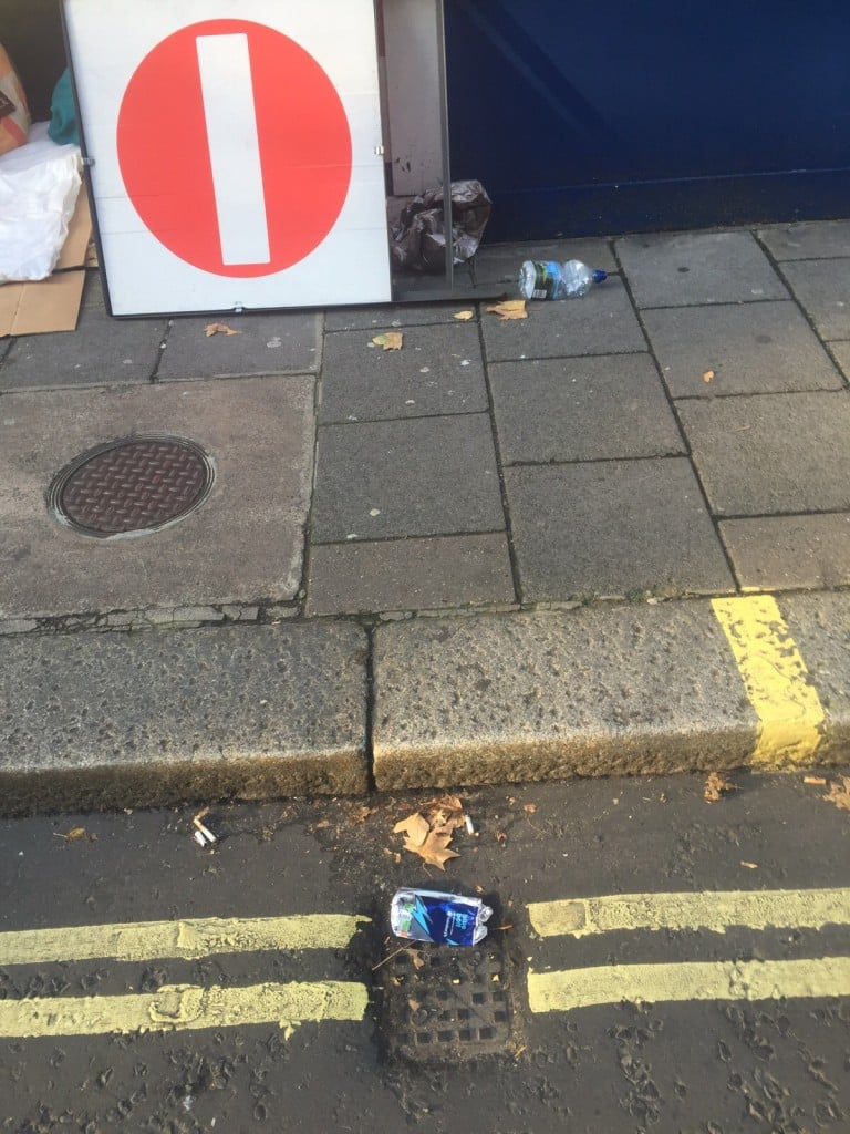 Virtual trash walk in London