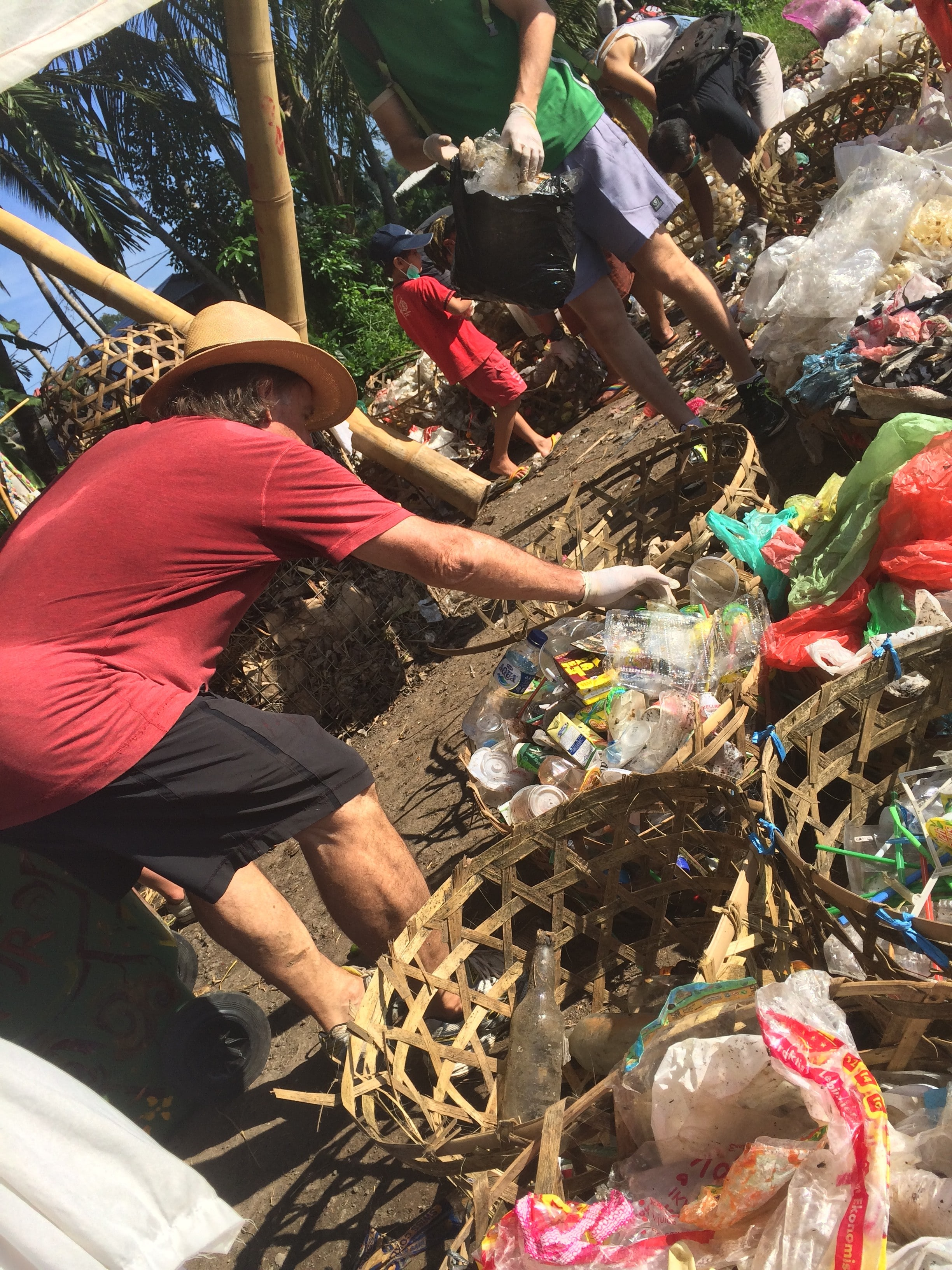Sampah Jujur garbage stall at Sayan Market