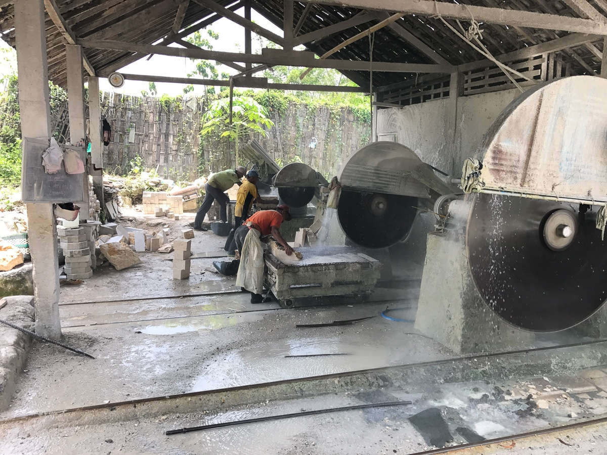 Stone cutting machinery in Java