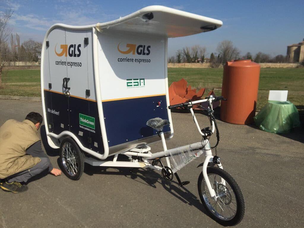 Amsterdam delivery bike